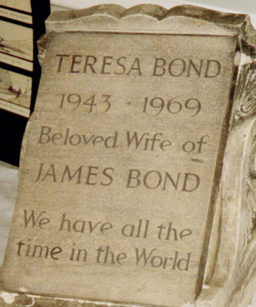 DR Wikipedia-Tracy_Bond_gravestone